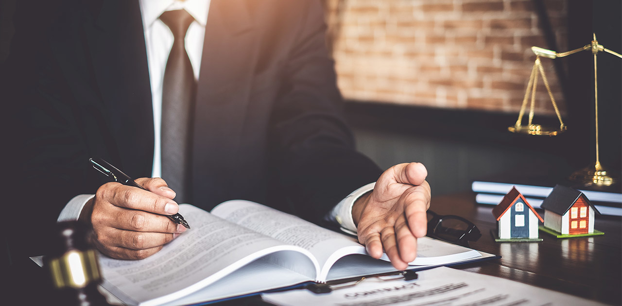 Was macht ein*e Rechtsanwalt*Rechtsanwältin?